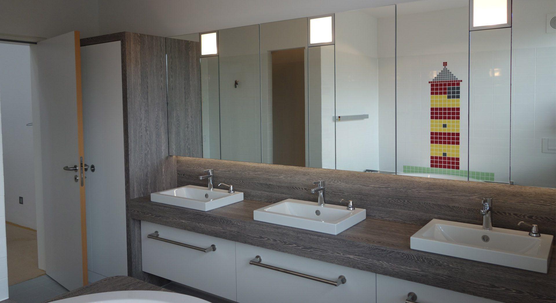 Innenarchitektur; Möbeldesign; Badgestaltung; Einfamilienhaus;