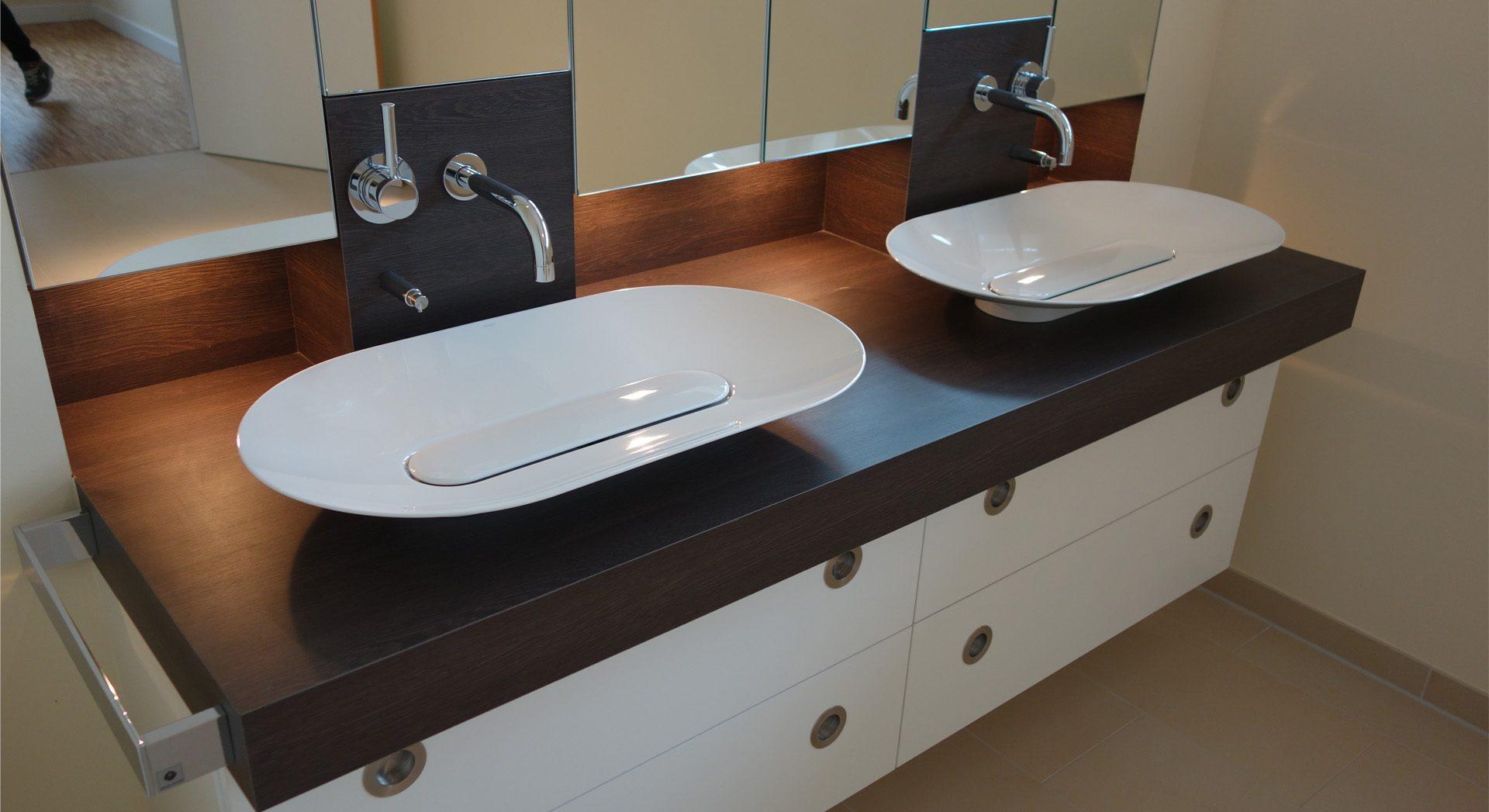 Einfamilienhaus; Innenarchitektur; Möbeldesign; Badgestaltung;