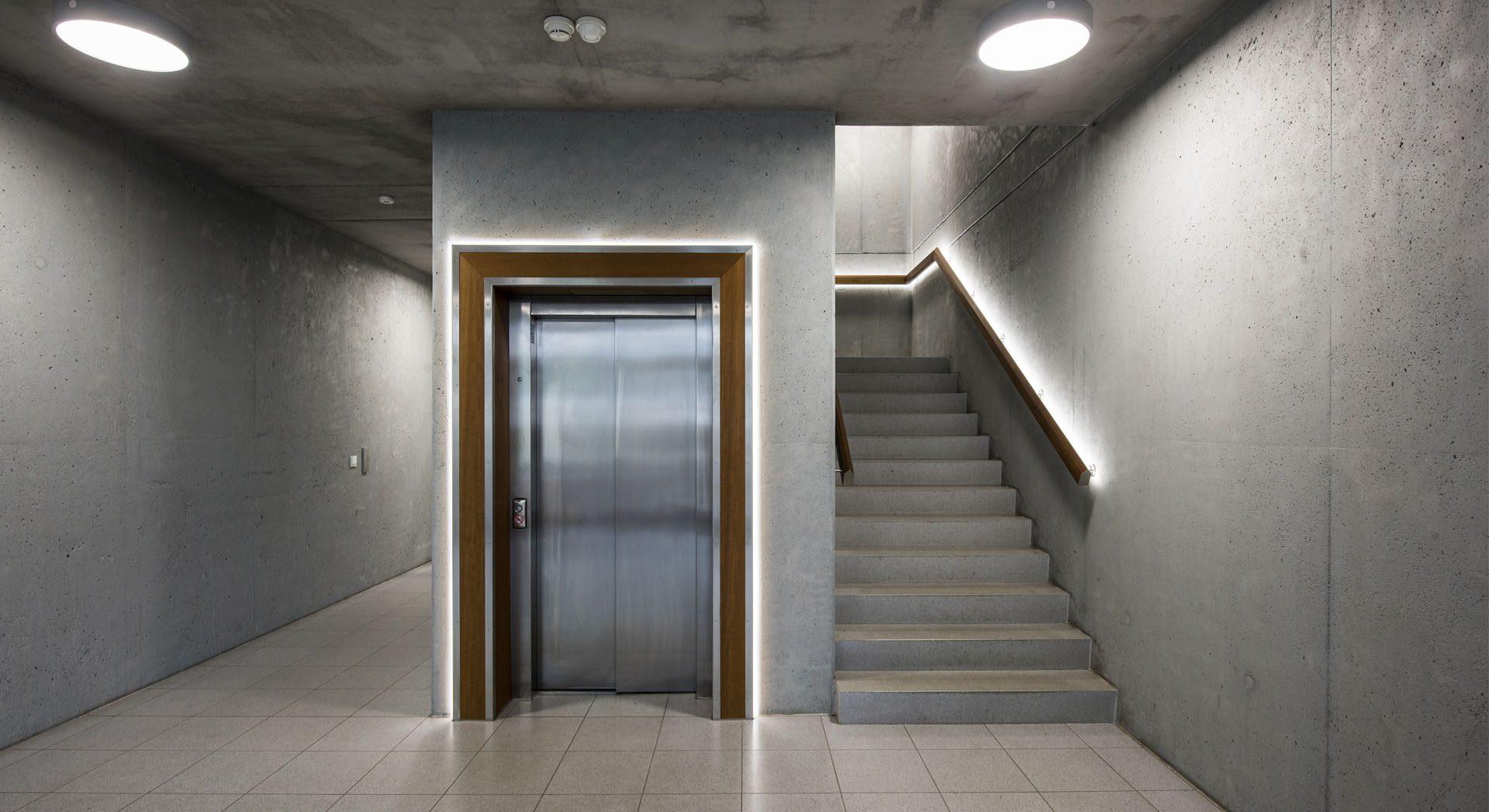 Innenarchitektur; Lichtgestaltung, Lichtdesign; Architektur; Industriearchitektur; Gewerbearchitektur; Neubau; Meyer Werft; Verwaltungsgebäude;