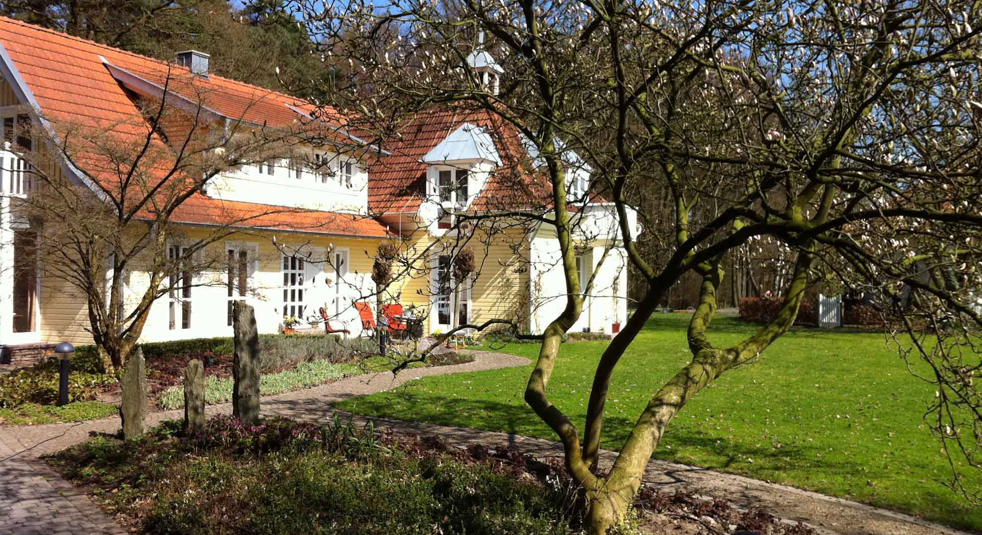 Außenbereich; Einfamilienhaus; Architektur; Anbau; Gartengestaltung; Außenanlagen; Planung;