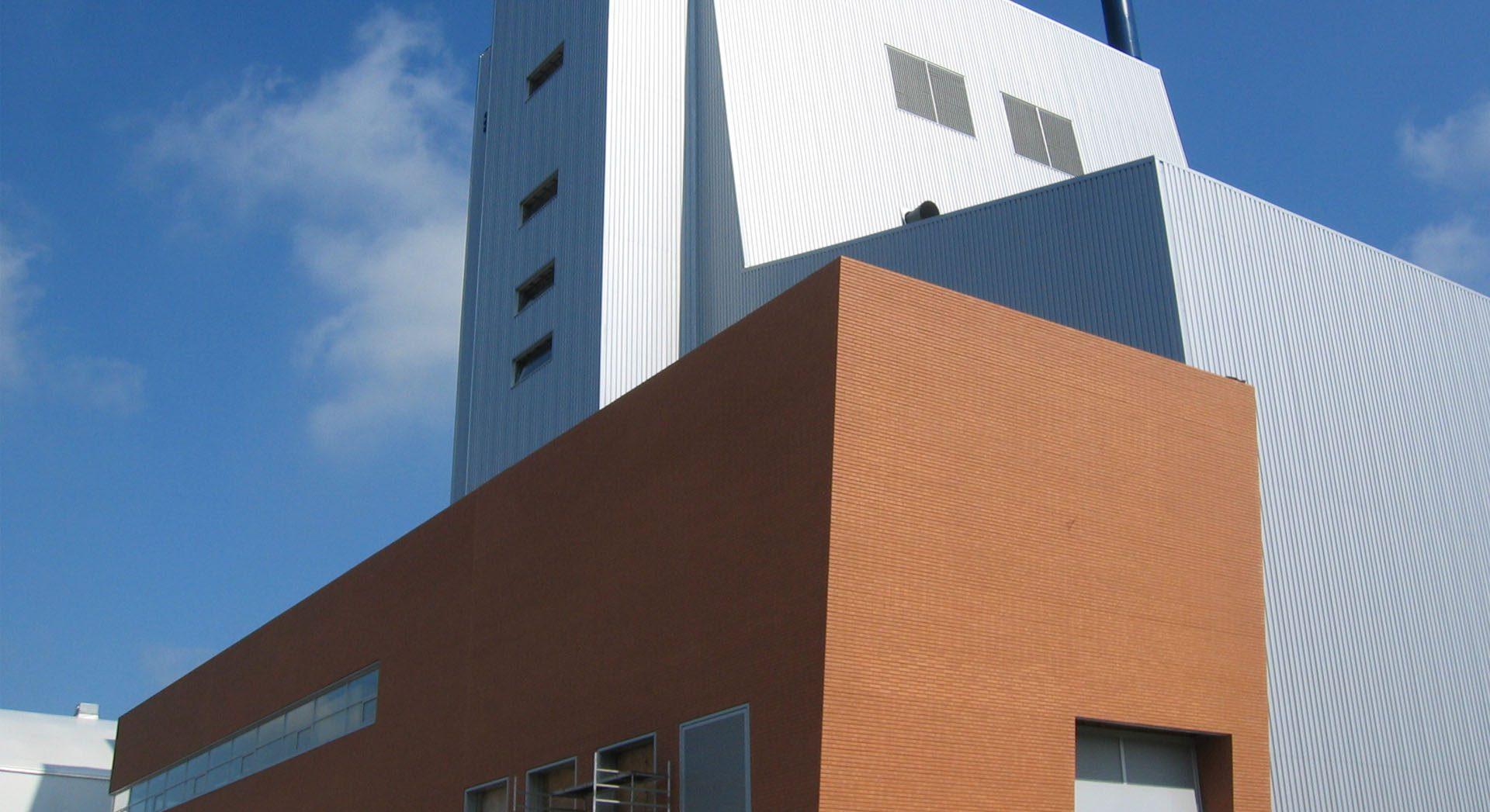 Industriearchitektur; Gewerbearchitektur; Kraftwerk Papenburg; Papenburg; Kraftwerk; Ziegelarchitektur; Klinkerarchitektur; Ziegel; Klinker; B+S Papenburg Energie;